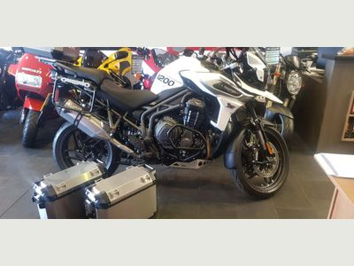 Triumph Tiger 1200 Adventure 1200 XRt Expedition