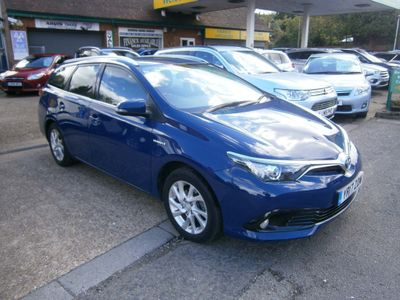 Toyota Auris Estate 1.8 VVT-h Icon Touring Sports CVT (s/s) 5dr (Safety Sense)