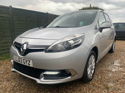 Renault Grand Scenic MPV 1.6 dCi Dynamique TomTom (s/s) 5dr