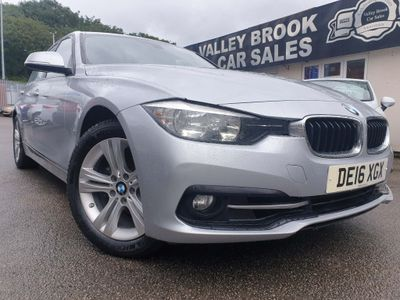 BMW 3 Series Saloon 2.0 320i Sport (s/s) 4dr
