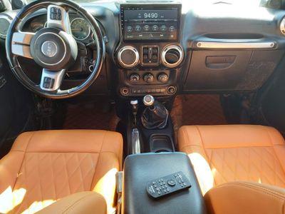 Jeep Wrangler SUV *3.8L MANUAL GEARS,LEATHER, SAT,CAMERA *