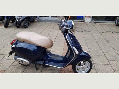 Piaggio Vespa Primavera Scooter 125 ABS Scooter