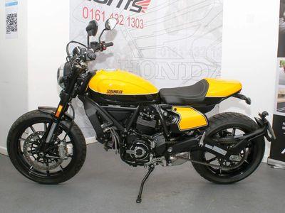 Ducati Scrambler 800 Roadster/Retro 800 Full Throttle ABS