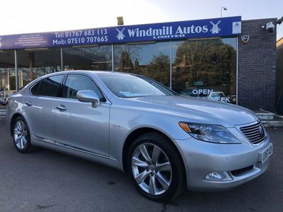 Lexus LS 600h Saloon 5.0 CVT 4dr (High)