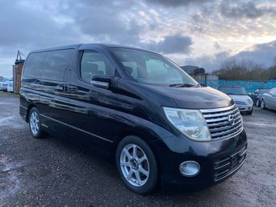 Nissan Elgrand MPV HIGHWAY STAR 4WD 2.5 V6