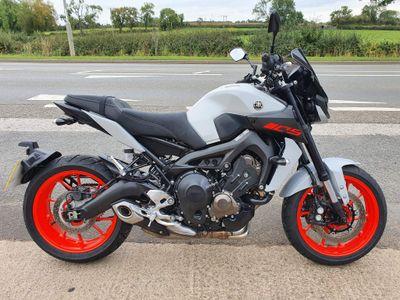 Yamaha MT-09 Naked 850 ABS