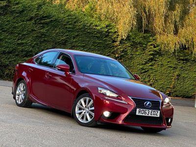 Lexus IS 300 Saloon 2.5 Luxury E-CVT 4dr