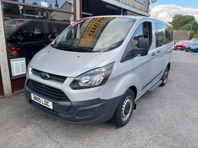 Ford Tourneo Custom Minibus 2.2 TDCi 300 Style Low Roof Bus S 5dr (8 Seats, SWB)