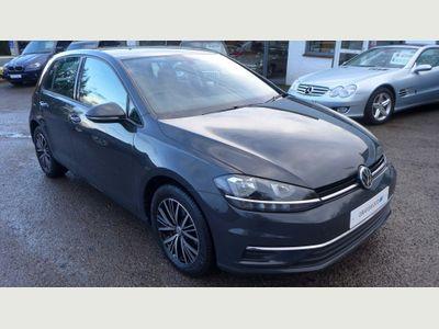 Volkswagen Golf Hatchback 1.6 TDI BlueMotion Tech SE Nav DSG (s/s) 5dr