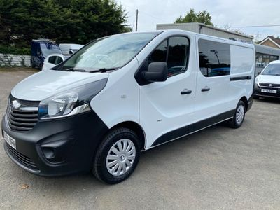 Vauxhall Vivaro Combi Van 1.6 CDTi 2900 Crew Van L2 H1 EU5 5dr (6 Seat)