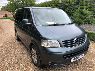 VOLKSWAGEN TRANSPORTER SHUTTLE Other 2.5 TDI T30 SE Mini Bus 4dr (SWB)