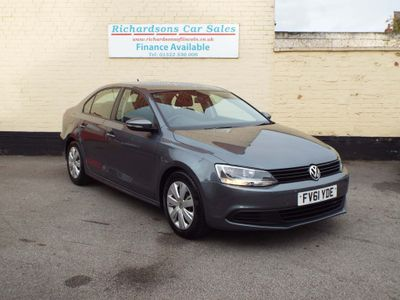 VOLKSWAGEN JETTA Saloon 1.6 TDI BlueMotion Tech S 4dr