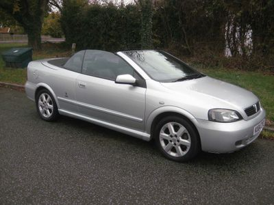 Vauxhall Astra Convertible 2.2 i 16v 2dr