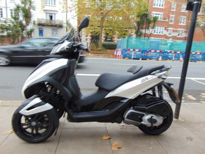 Piaggio MP3 Three Wheeler 300 300 Yourban Sport