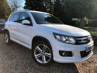 Volkswagen Tiguan SUV 2.0 TDI BlueMotion Tech R-Line Edition 4MOTION (s/s) 5dr