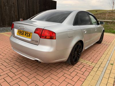 Audi A4 Saloon 2.0 TDI S line Special Edition quattro 4dr