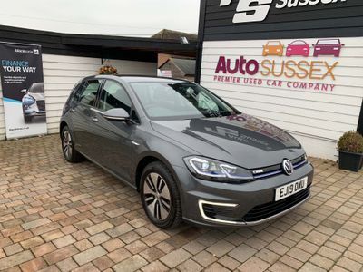 Volkswagen Golf Hatchback 35.8kWh e-Golf Auto 5dr
