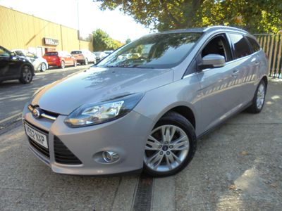 FORD FOCUS Estate 2.0 TD Titanium Powershift 5dr