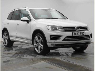 Volkswagen Touareg SUV 3.0 TDI V6 BlueMotion Tech R-Line Plus Tiptronic 4WD (s/s) 5dr