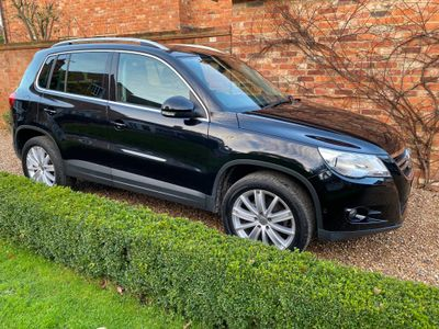 Volkswagen Tiguan SUV 2.0 TDI Sport DSG 4MOTION 5dr