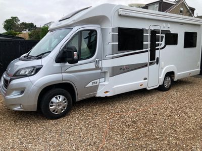 Elddis Majestic 254 Unlisted 4 BERTH 4 SEAT BELTS 1 OWNER DELIVERY POSSIBLE