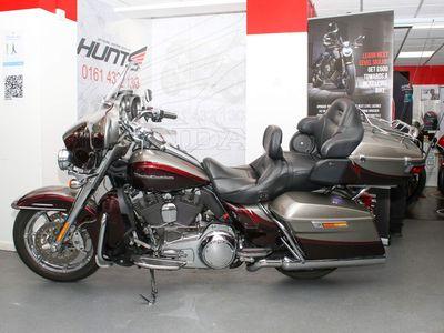 Harley-Davidson CVO Custom Cruiser 1800 FLHTKSE Limited Custom Cruiser