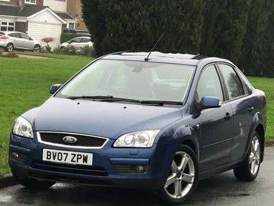 Ford Focus Saloon 1.6 Ghia 4dr