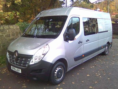 Renault Master Combi Van 2.3 dCi 35 Business FWD LWB Medium Roof EU5 5dr