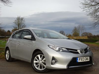 Toyota Auris Hatchback 1.4 D-4D Icon (s/s) 5dr