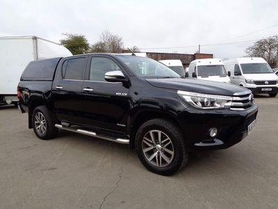 Toyota Hilux Pickup 2.4 D-4D Invincible Double Cab Pickup 4WD EU6 4dr (TSS, 3.5t)