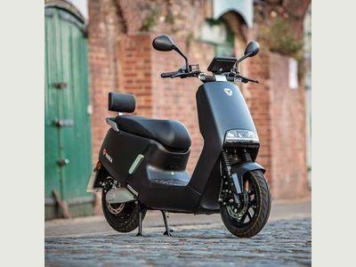 Lexmoto Yadea G5 2300W Moped