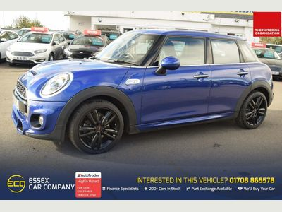 MINI Hatch Hatchback 2.0 Cooper S Sport (s/s) 5dr