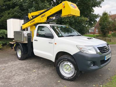 Toyota Hilux Specialist Vehicle 2.5D-4D 4WD Extra 13.2m Cherry Picker