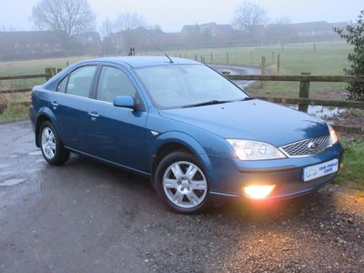 Ford Mondeo Hatchback 2.0 Ghia 5dr
