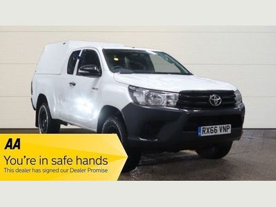 Toyota Hilux Pickup 2.4 D-4D Active Extra Cab Pickup 4WD EU6 4dr