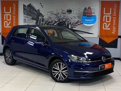 Volkswagen Golf Hatchback 2.0 TDI BlueMotion Tech SE Nav DSG (s/s) 5dr
