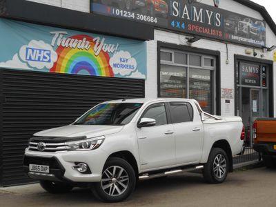 Toyota Hilux Pickup 2.4 D-4D Invincible Double Cab Pickup Auto 4WD EU6 4dr (TSS)