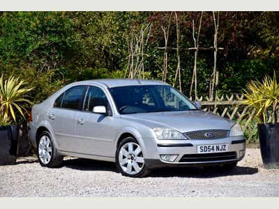 Ford Mondeo Hatchback 2.2 TDCi Ghia X 5dr