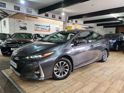 Toyota Prius Hatchback 1.8 VVT PiH 8.8 kWh Excel CVT (s/s) 5dr