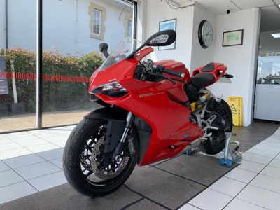 DUCATI 899 PANIGALE Super Sports Panigale ABS Super Sports Petrol Manual (148 bhp)
