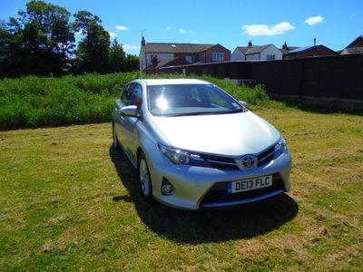 Toyota Auris Hatchback 1.4 D-4D Icon (s/s) 5dr