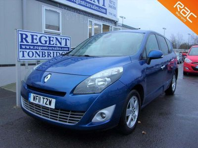 Renault Grand Scenic MPV 1.9 TD Dynamique TomTom Bose Pack 5dr