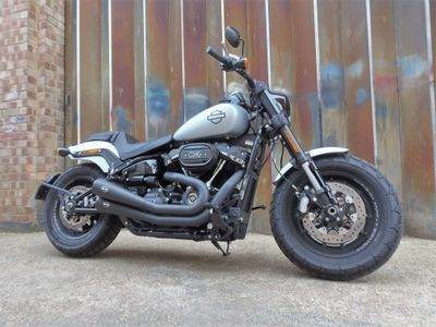 Harley-Davidson Softail Custom Cruiser 1870 Fat Bob 114