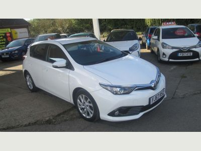 Toyota Auris Hatchback 1.6 D-4D Business Edition (s/s) 5dr (Safety Sense)