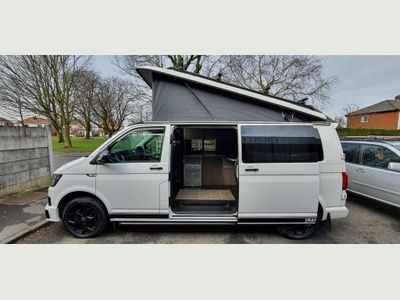 Volkswagen T6 CAMPERVAN BRAND NEW 4 BERTH CAMPER CONVERSION Campervan 2.0 T28 TDI 140 BHP CAMPERVAN Superbly maintained lots of extras