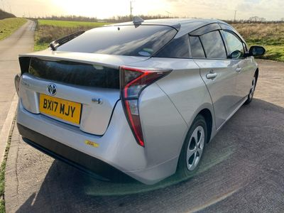 Toyota Prius Hatchback 1.8 VVT-h Business Edition Plus CVT (s/s) 5dr
