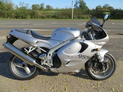 Triumph Daytona Sports Tourer 955i
