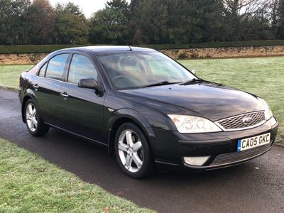 Ford Mondeo Hatchback 2.2 TDCi SIII Titanium 5dr