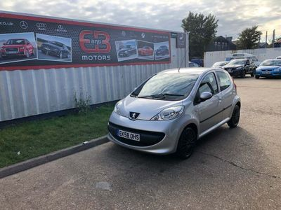 PEUGEOT 107 Hatchback 1.0 12v Urban Move 5dr