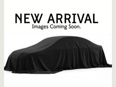 Volvo XC90 SUV 2.0 D5 PowerPulse Momentum Auto 4WD (s/s) 5dr